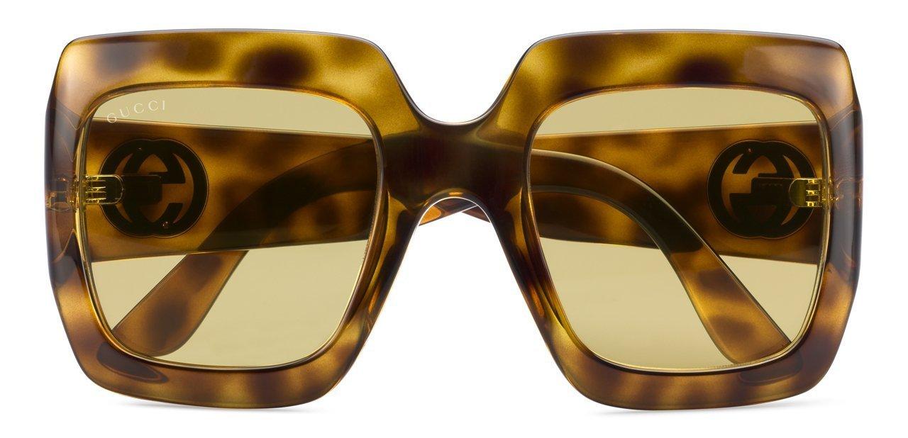 Modelo femenino de gafas de sol Gucci de 2016