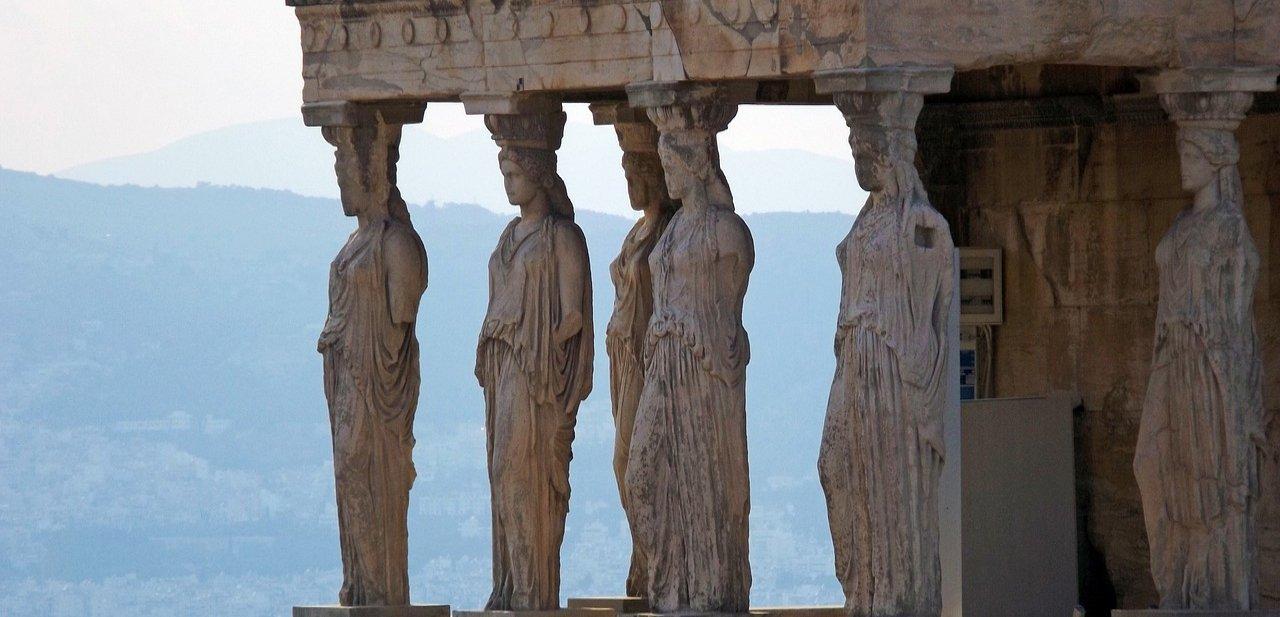 Motivos cargados de historia para viajar a Atenas