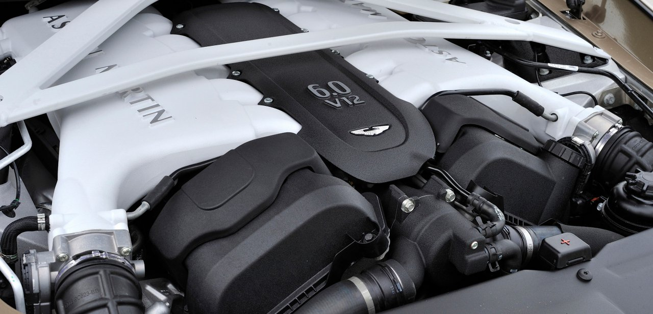 Motor del Aston Martin Vanquish