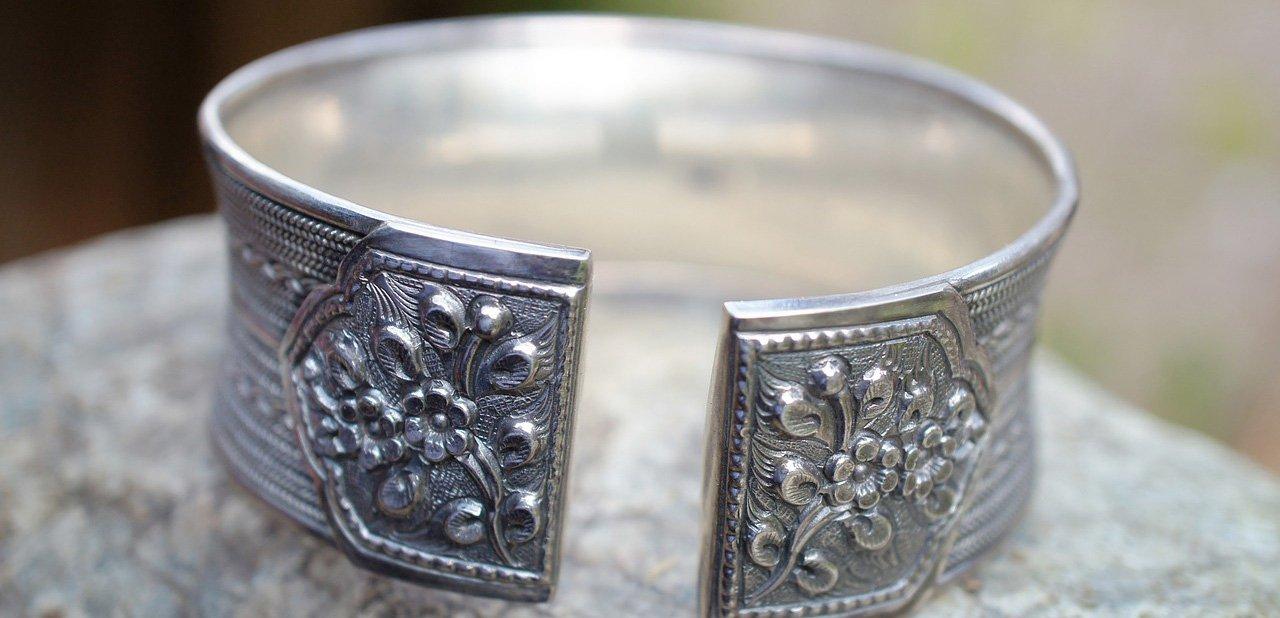 Pulsera artesanal de plata esterlina