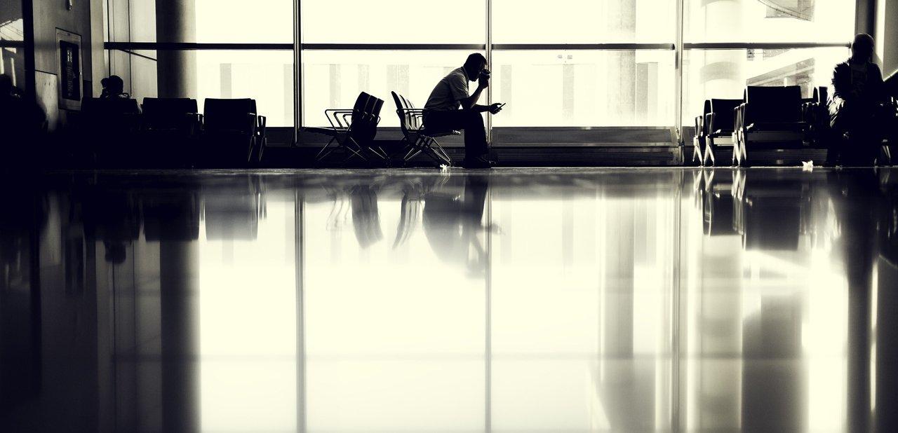 Sala de espera de un aeropuerto