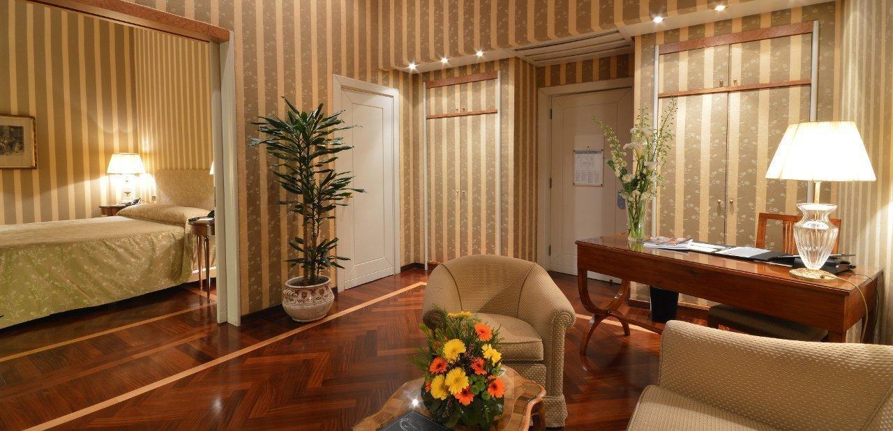 Suite Hotel Vesuvio