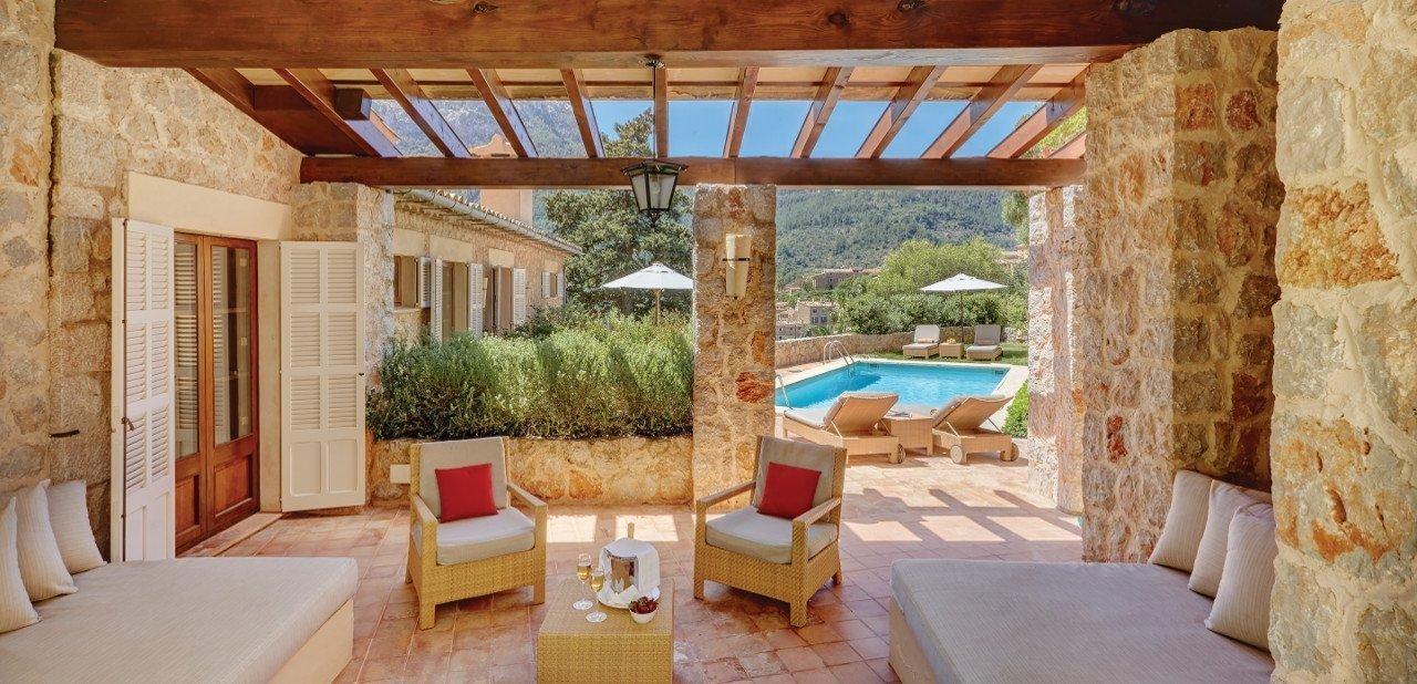Terraza y piscina del Belmond La Residencia
