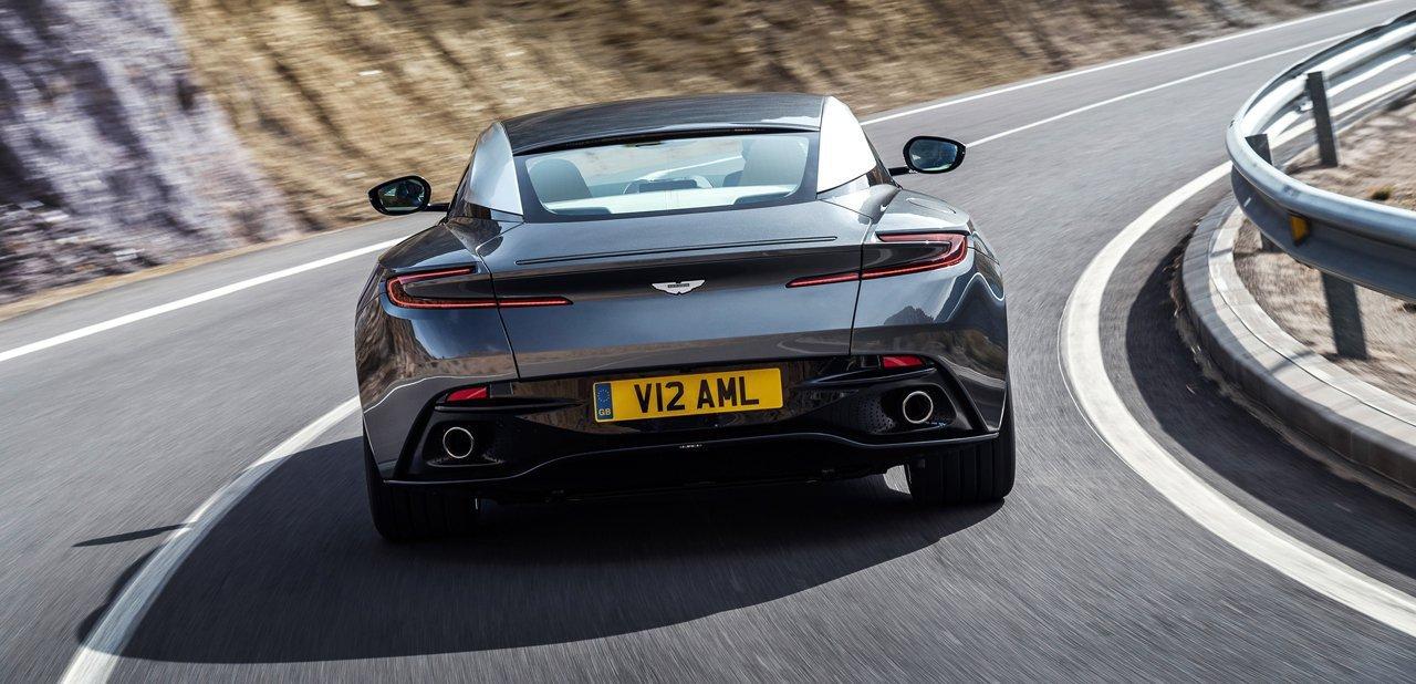 Trasera del Aston Martin DB11