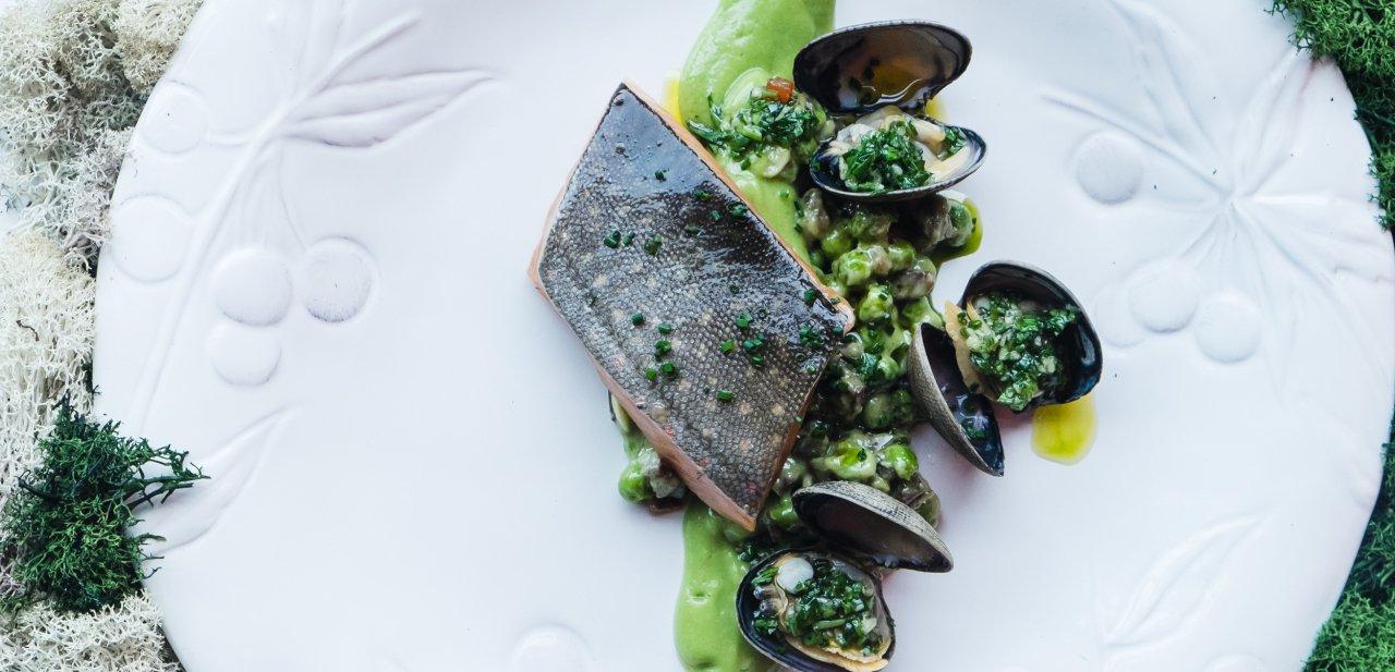 Un plato de pescado de Perfecte Rocher