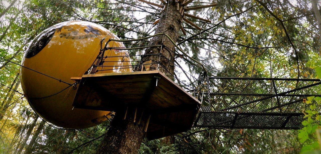 Una de las casa árbol de Free Spirit Spheres