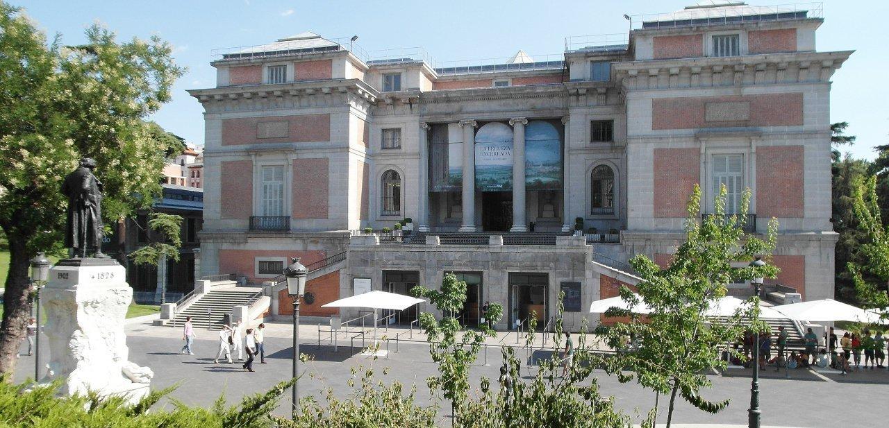 Una de las fachadas del Museo Nacional del Prado
