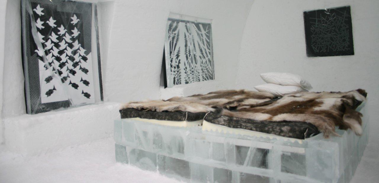 Una de las habitaciones del hotel de hielo Jukkasjärvi