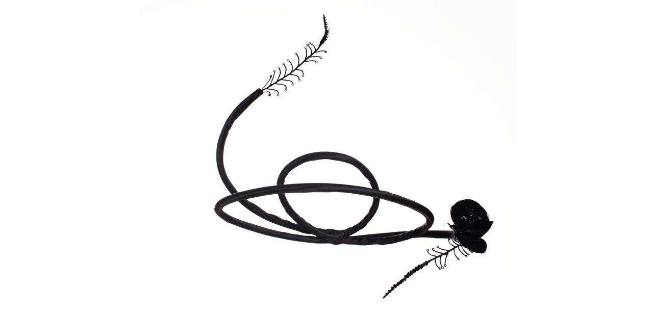 Uno de los diseños de sombreros más atrevidos de Candela Cort