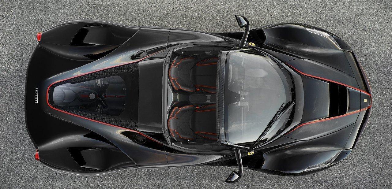 Vista aérea del Ferrari LaFerrari Aperta