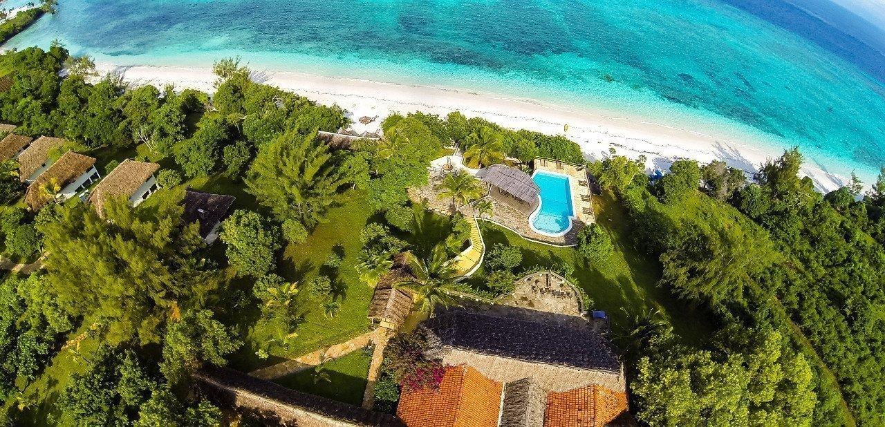 Vista aérea del hotel Manta Resort