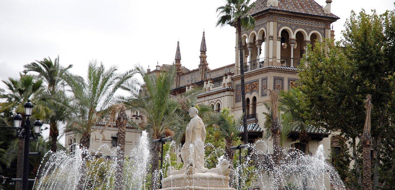 Vista de la fachada del Hotel Alfonso XIII