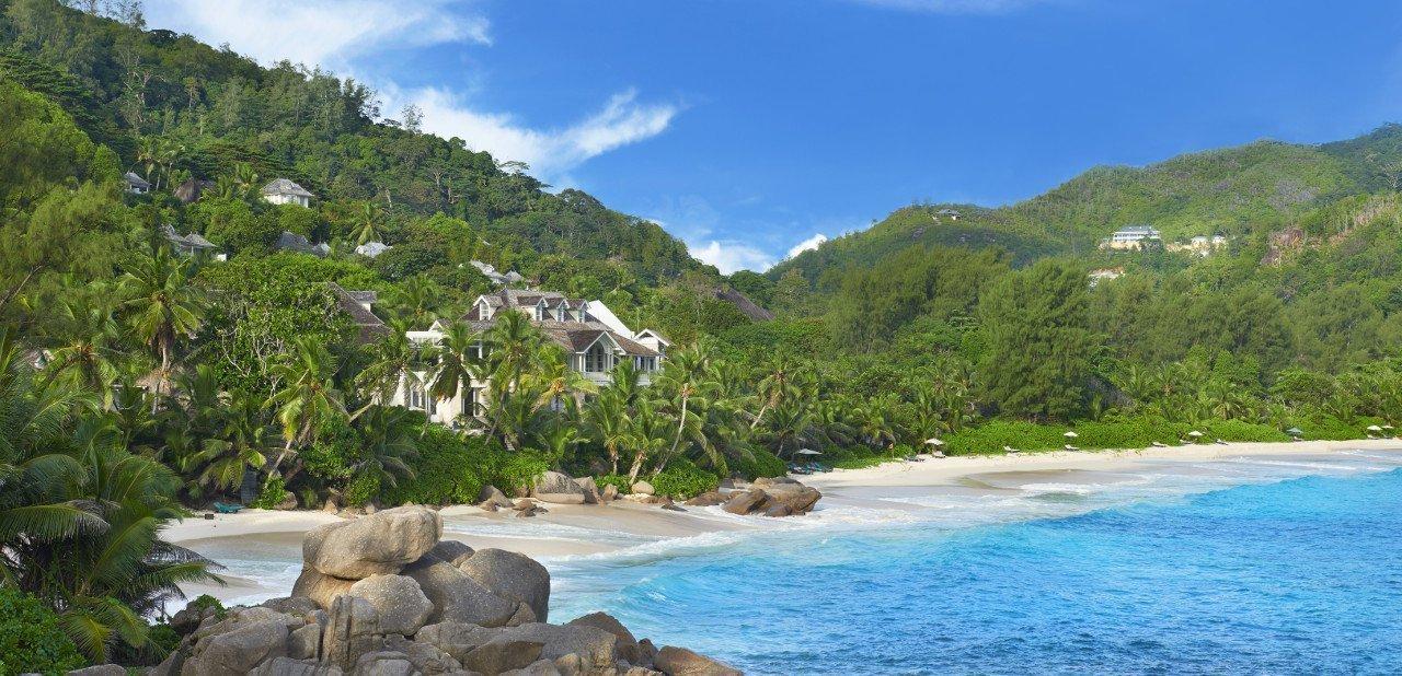 Vista de la playa frente al Banyan Tree Seychelles