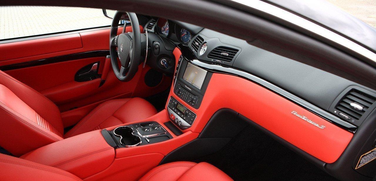 Vista del interior de un Maserati GT