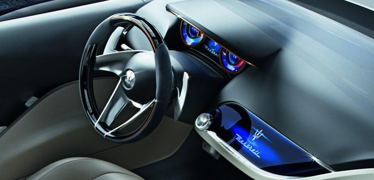 Vista del panel de instrumentos del Maserati Alfieri
