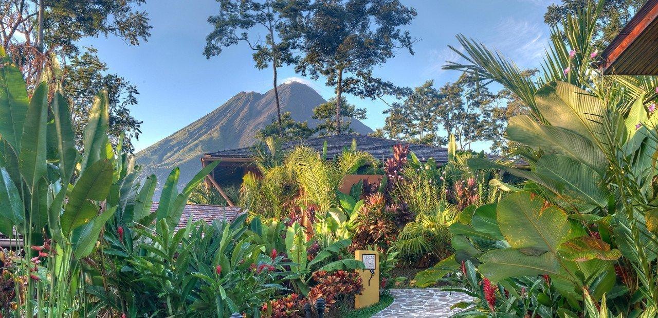 Vista del parque natural Volcán Arenal desde Nayara Springs