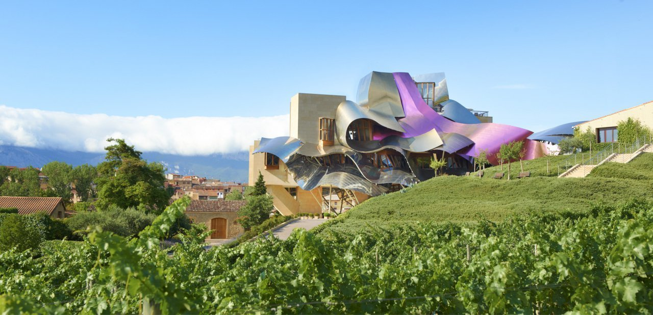 Vista exterior del Marqués de Riscal Luxury Collection Hotel