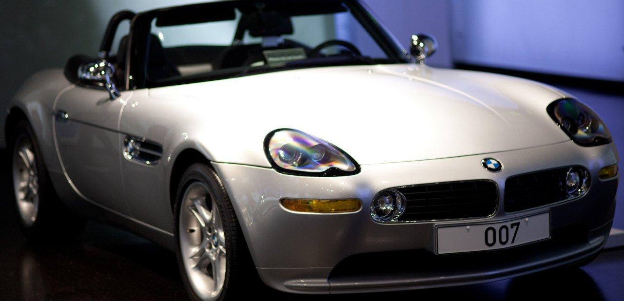 Vista frontal de un BMW Z8 sin capota