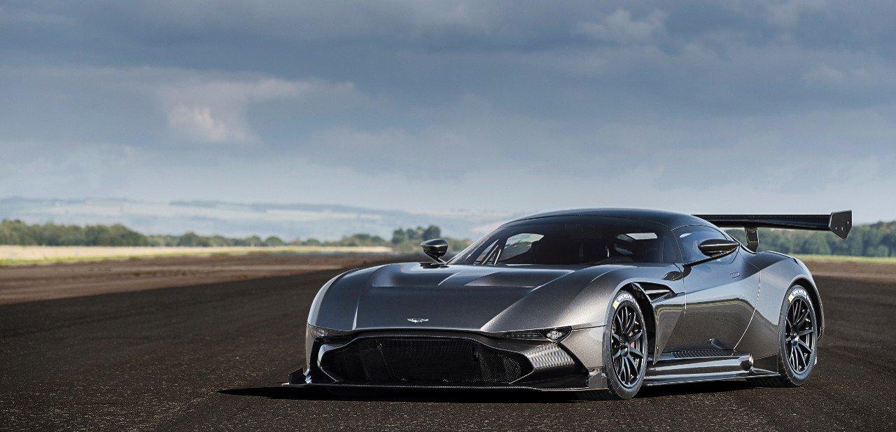 Vista frontal del Aston Martin Vulcan