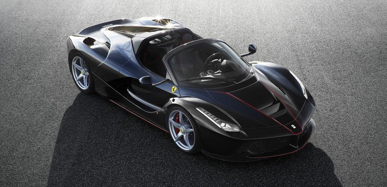 Vista frontal del Ferrari LaFerrari Aperta