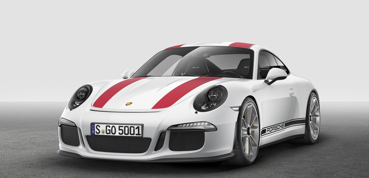 Vista frontal del Porsche 911 R