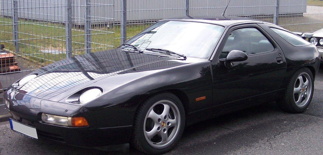 Vista frontal del Porsche 928