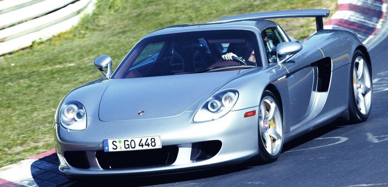Vista frontal del Porsche Carrera GT