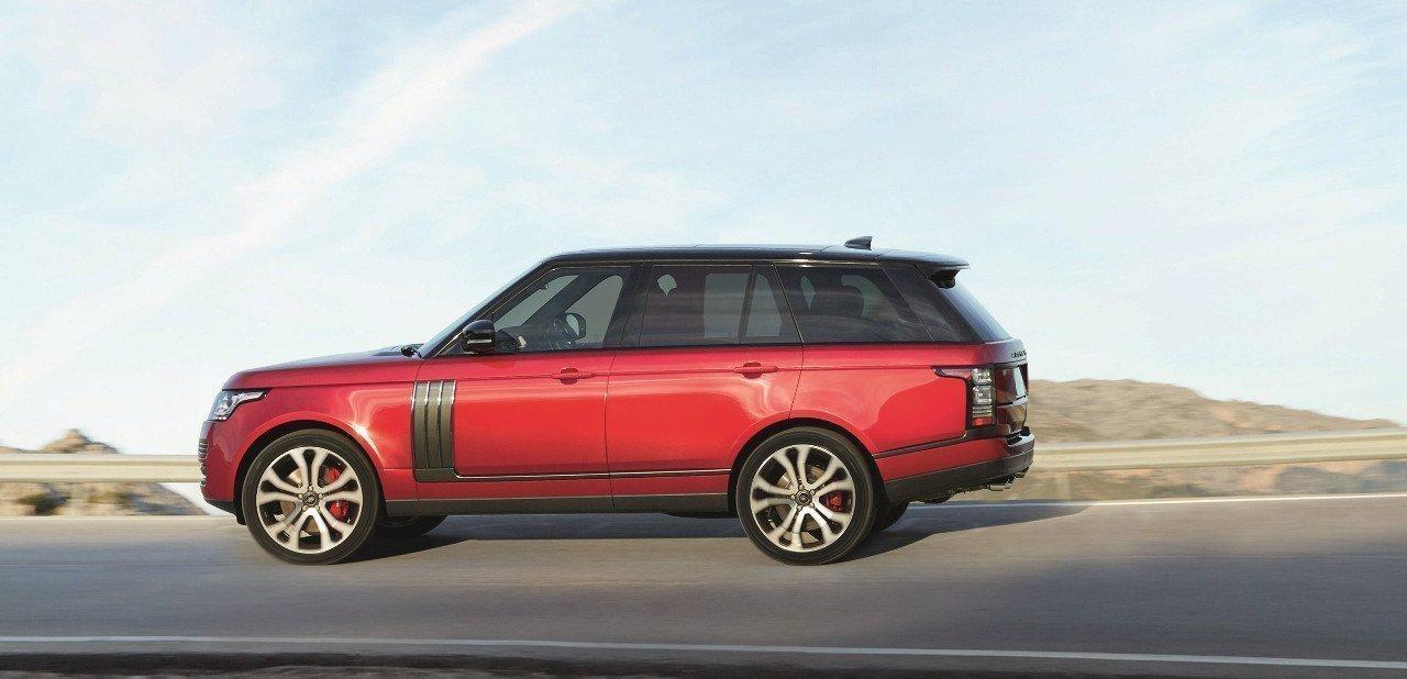 Vista lateral de un Range Rover Autobiography