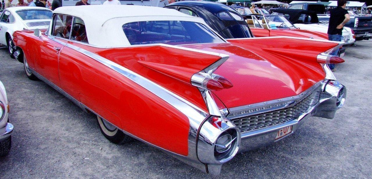 Vista trasera de un Cadillac Eldorado Biarritz