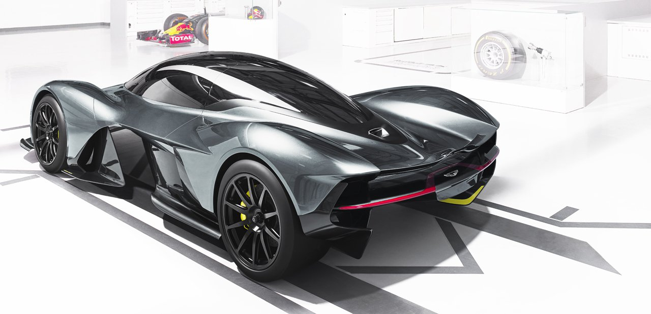 Vista trasera del Aston Martin Red Bull AM-RB 001
