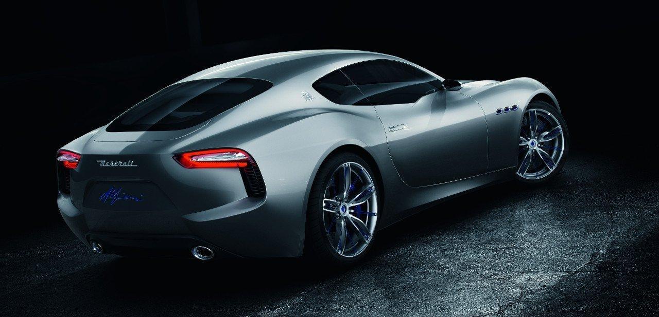 Vista trasera del Maserati Alfieri