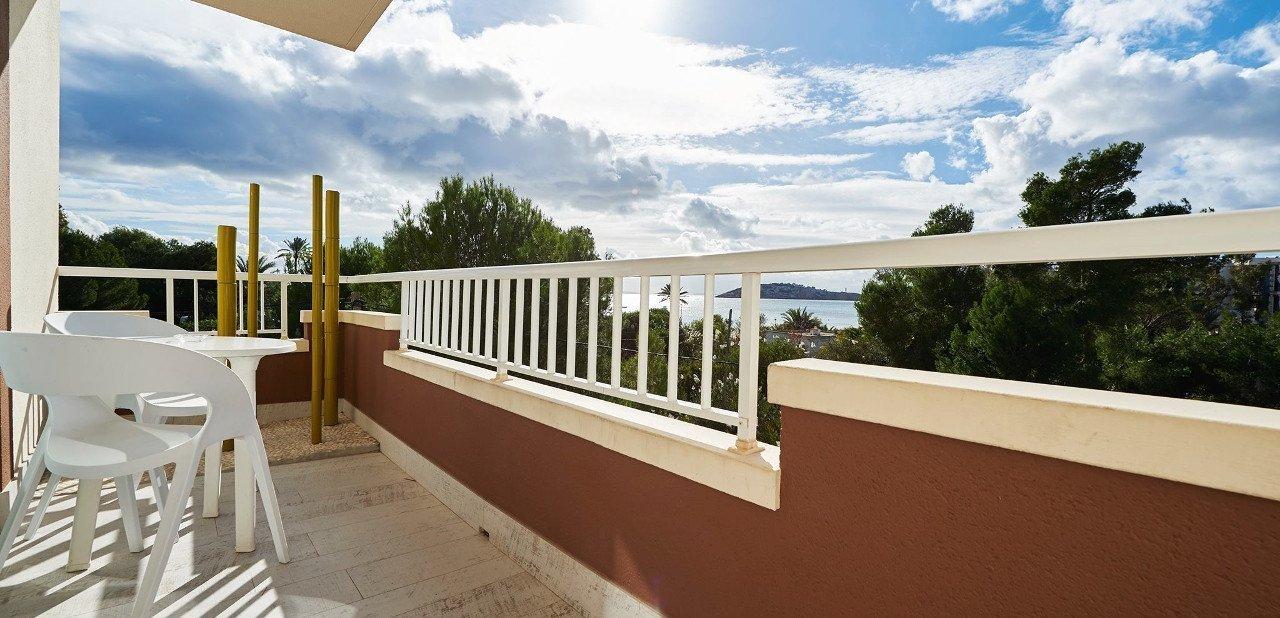 Vistas desde terraza privada del Luxisla Ibiza