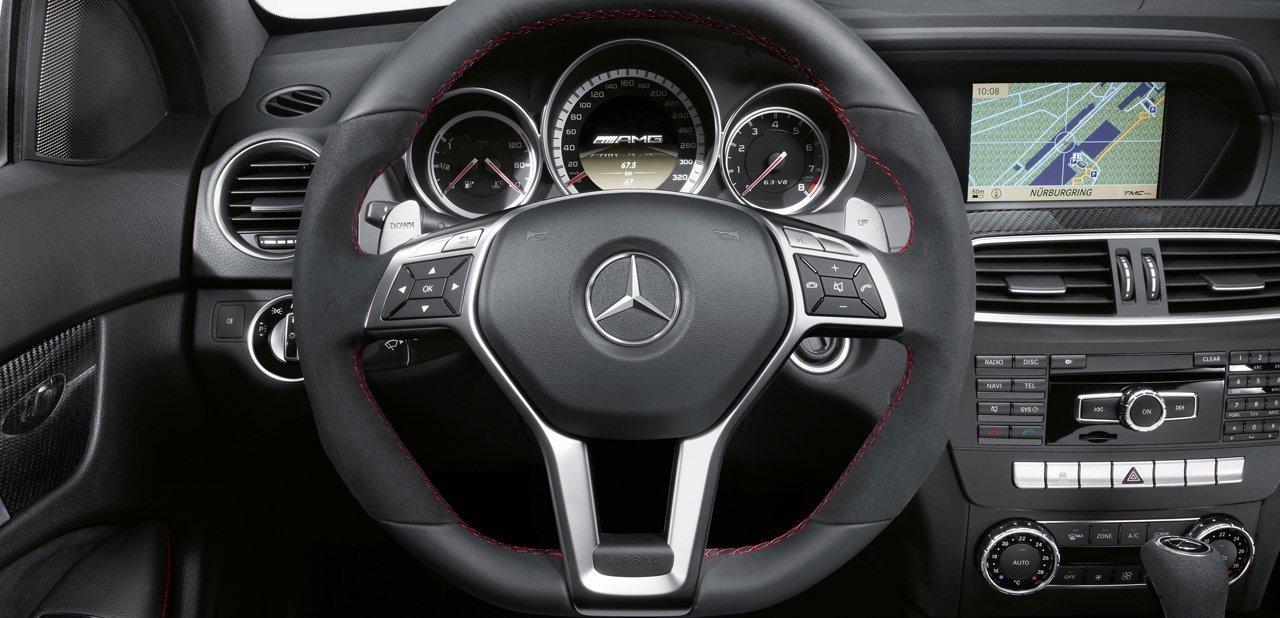 Volante del Mercedes-Benz C 63 AMG Coupé