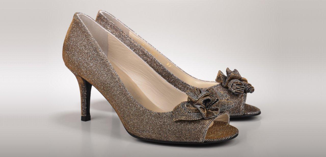 Zapatos marrón salón Stuart Weitzman